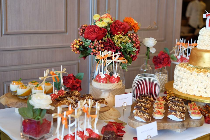 Dessert Table - Red & Gold by Nomz Catering - 004