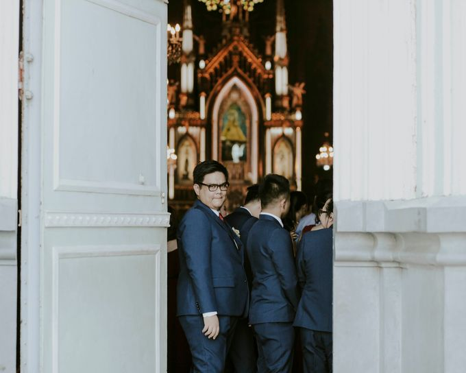 A fun wedding with a young couple based in singapore. by Thinking Chair Studios - 017