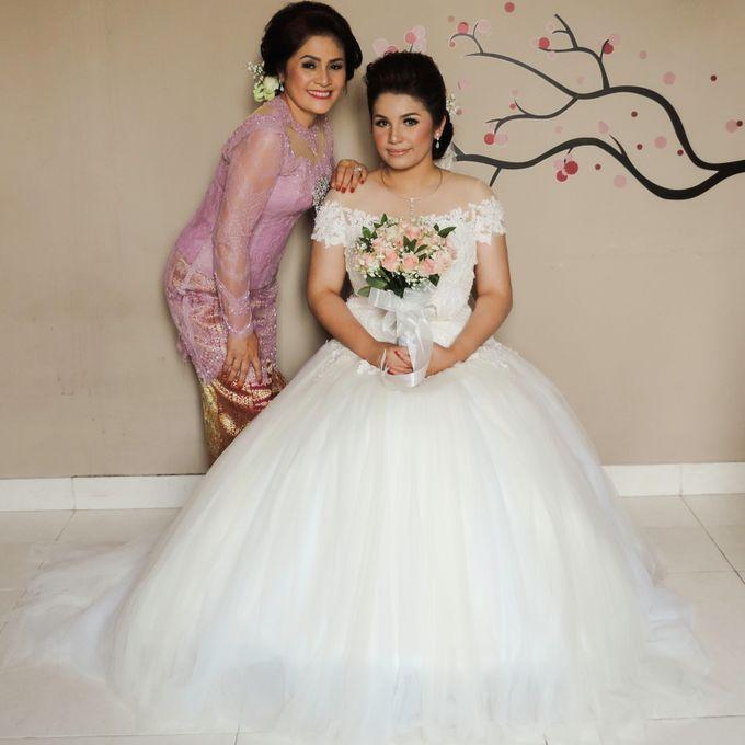 wedding gown  Novita Kristin by Stephanie Amanda Couture - 009