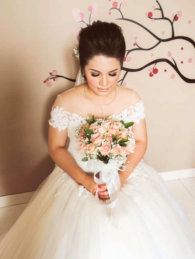 wedding gown  Novita Kristin by Stephanie Amanda Couture - 005