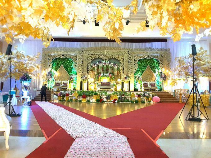 Modern Wedding Decoration by BRAJA MUSTIKA Hotel & Convention Centre - 008