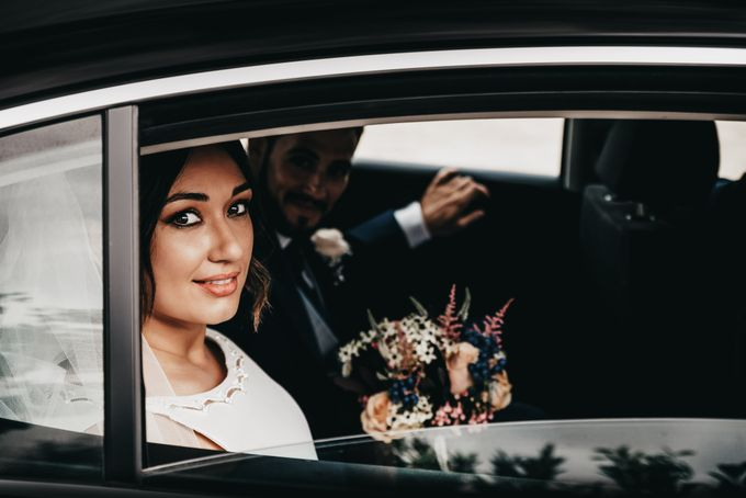 Nice Bride in the Car by WedFotoNet - 004