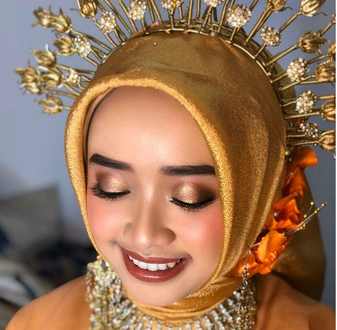 Traditional Ceremony by Make Up by Mutiara Fallahdani - 001