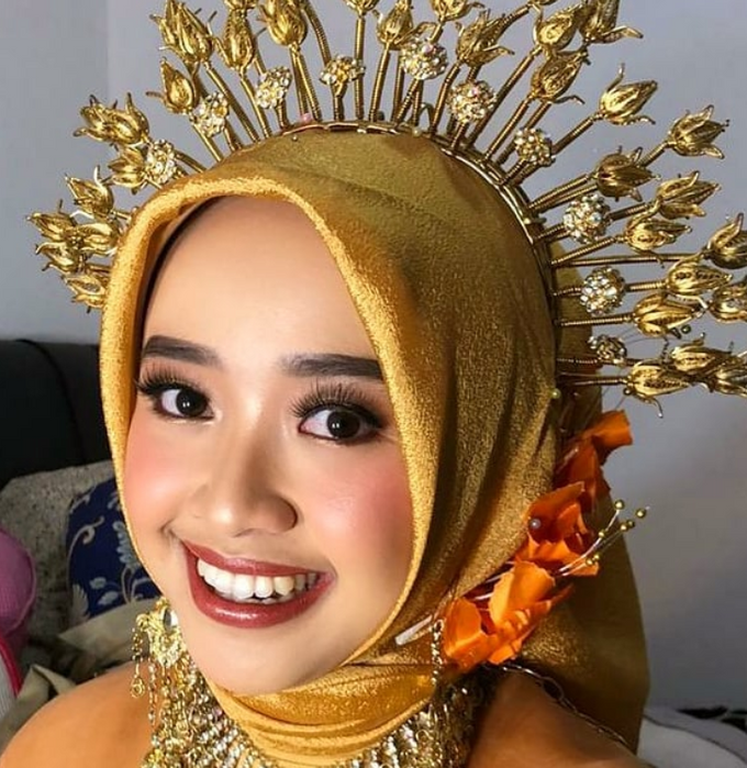 Traditional Ceremony by Make Up by Mutiara Fallahdani - 002