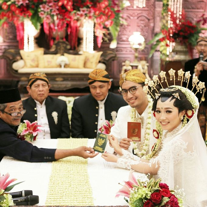 The Wedding of Sari & Alif by Celtic Creative - 002