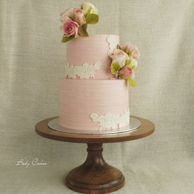 Single tier and multi tiered cakes by Baby Cakes - 029