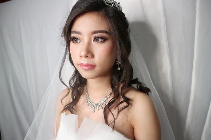Bride Makeup by Novie Make Up Artist - 001
