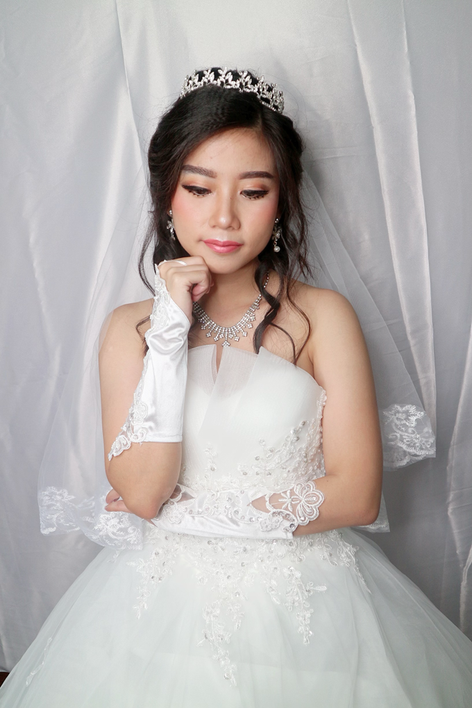Bride Makeup by Novie Make Up Artist - 004