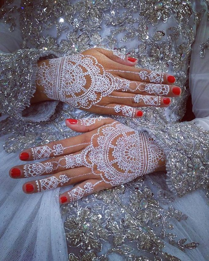 Zubay Mehendy White Henna Creations Zubay Mehendy Bridestory