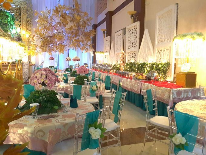 Modern Wedding Decoration by BRAJA MUSTIKA Hotel & Convention Centre - 011