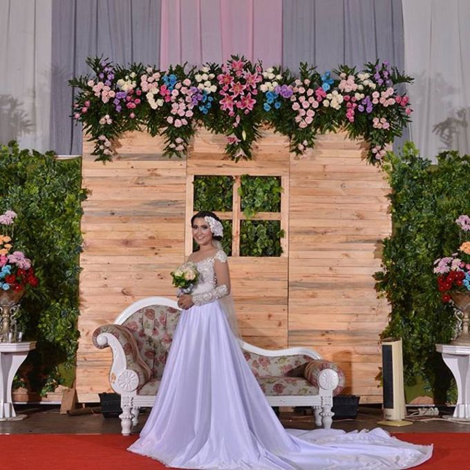 Wedding Hand Bouquet by Colours Florist - 003