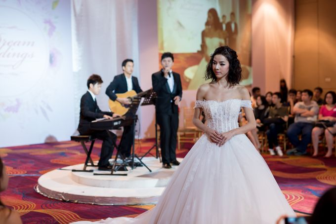Bridal Gown Fashion Show At Mandarin Orchard Singapore by La Belle Couture Weddings Pte Ltd - 022