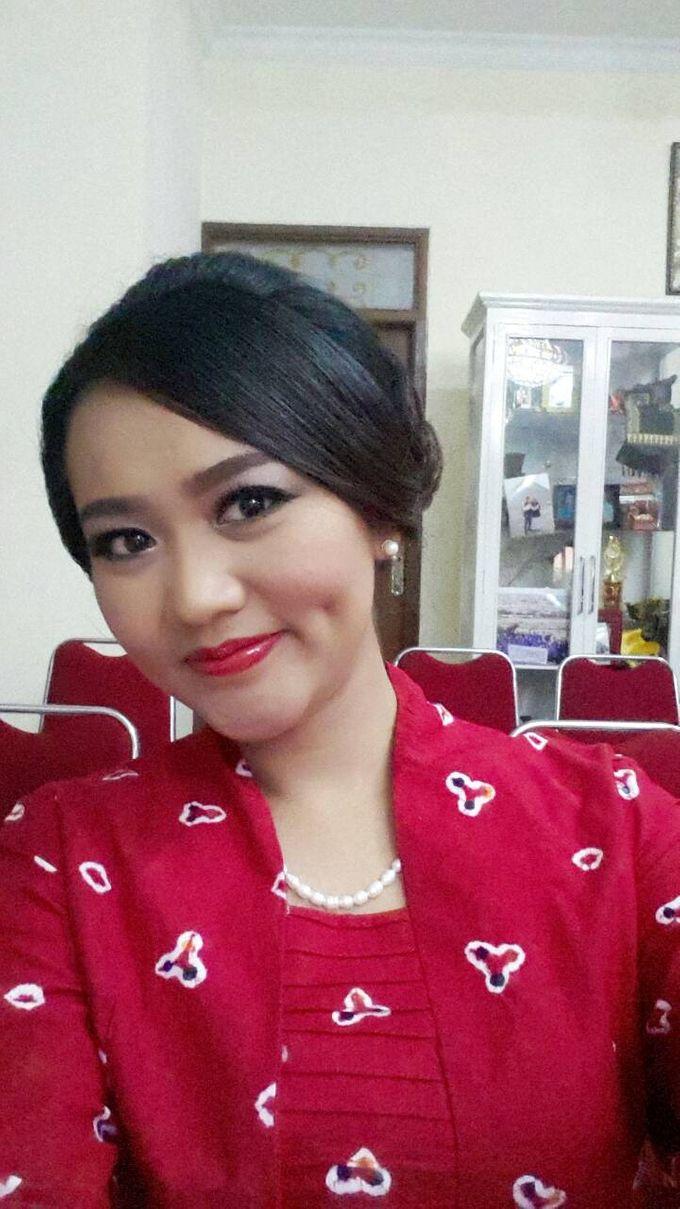 Make Up For Graduation by Maurine Stephanie MUA - 010