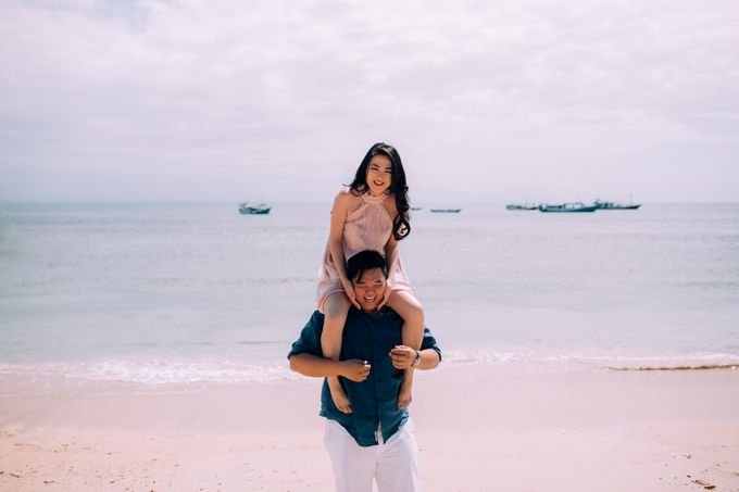 Destination Prewedding Lombok with Diverse Magnificent Landscapes by fire, wood & earth - 043