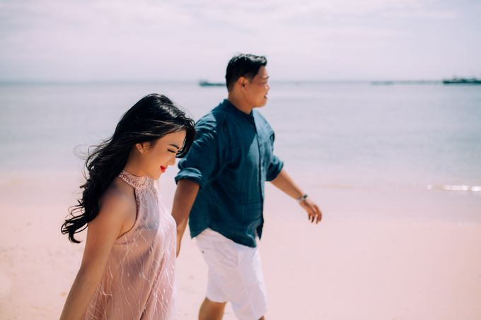 Destination Prewedding Lombok with Diverse Magnificent Landscapes by fire, wood & earth - 045