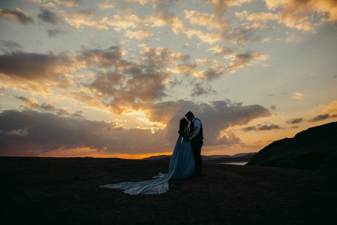 Destination Prewedding Lombok with Diverse Magnificent Landscapes by fire, wood & earth - 004