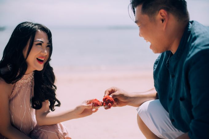 Destination Prewedding Lombok with Diverse Magnificent Landscapes by fire, wood & earth - 046