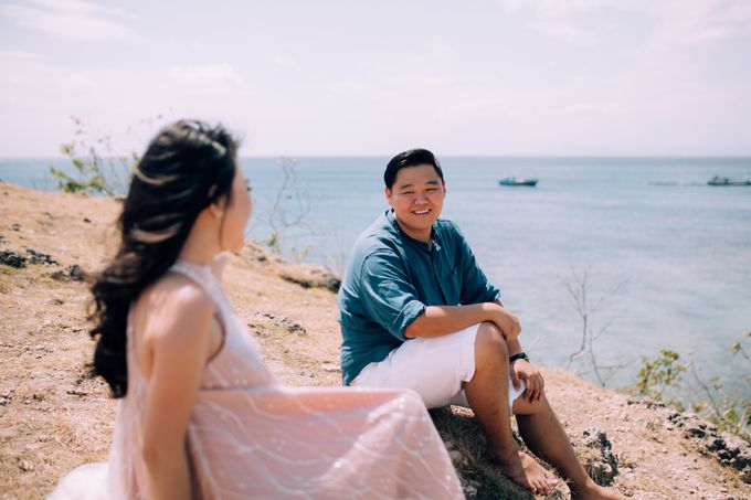 Destination Prewedding Lombok with Diverse Magnificent Landscapes by fire, wood & earth - 048