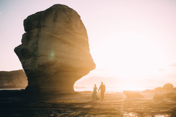 Destination Prewedding Lombok with Diverse Magnificent Landscapes by fire, wood & earth - 020