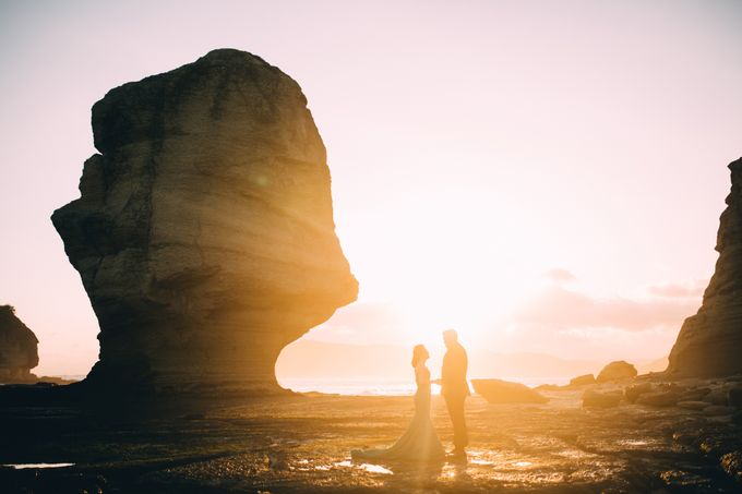 Destination Prewedding Lombok with Diverse Magnificent Landscapes by fire, wood & earth - 021
