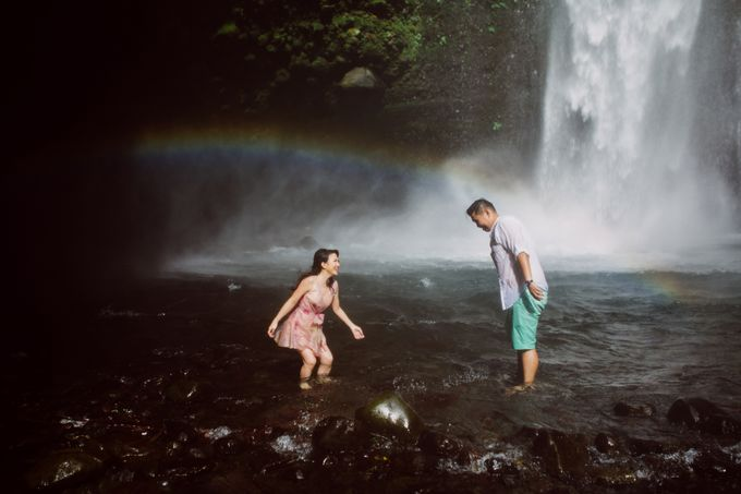 Destination Prewedding Lombok with Diverse Magnificent Landscapes by fire, wood & earth - 035