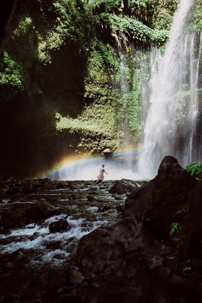 Destination Prewedding Lombok with Diverse Magnificent Landscapes by fire, wood & earth - 036