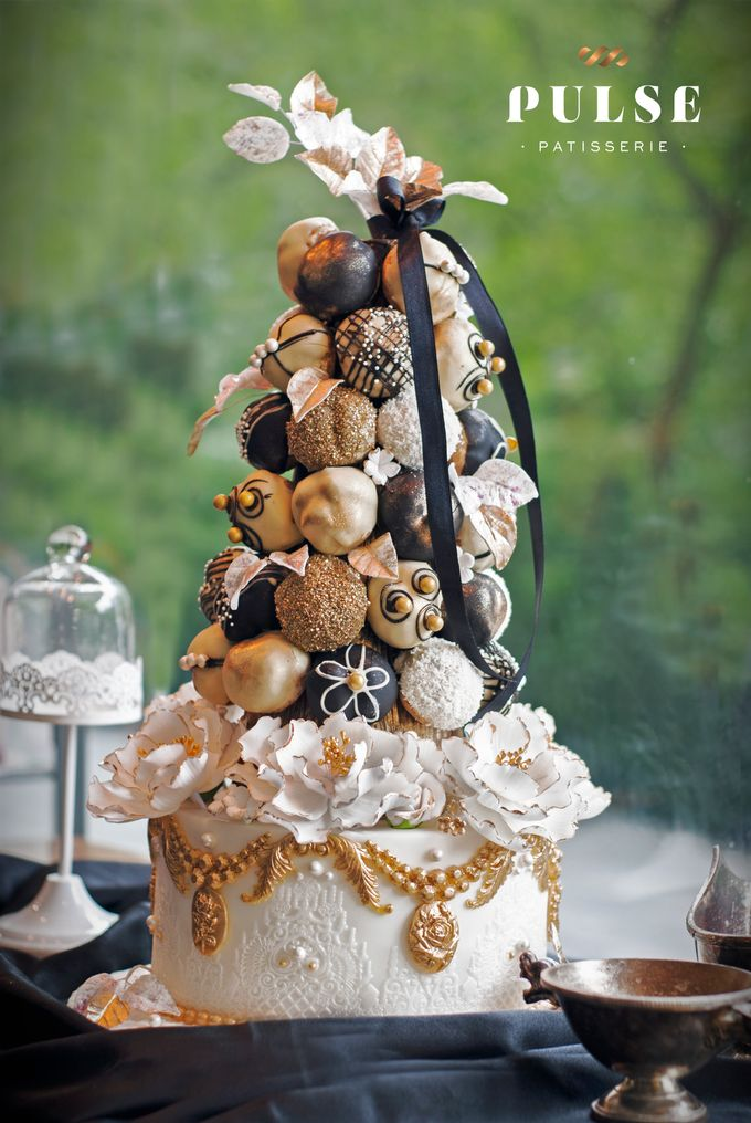 Wedding CROQUEMBOUCHE -Cream Puff Tower by Pulse Patisserie - 015