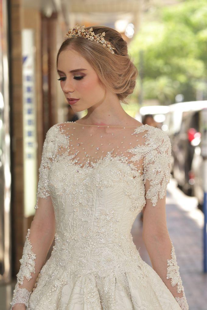 Bridal Gown Vol 03 by Hengki Kawilarang Couture - 008