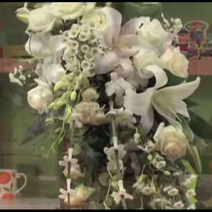 Bouquets, Corsages & Boutonnieres by Dorcas Floral - 007