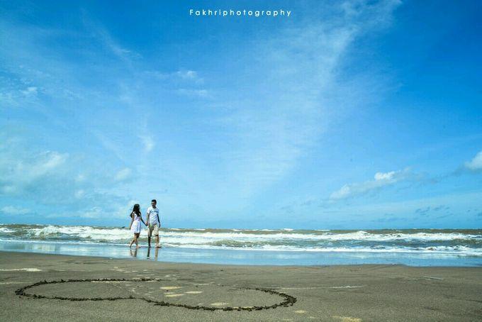 Prewedding Pantai by Fakhri photography - 003