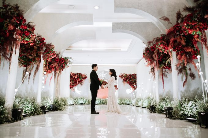 Wedding of Agung & Keyshalla at Trans Convention Center by Valentine Wedding Decoration - 008