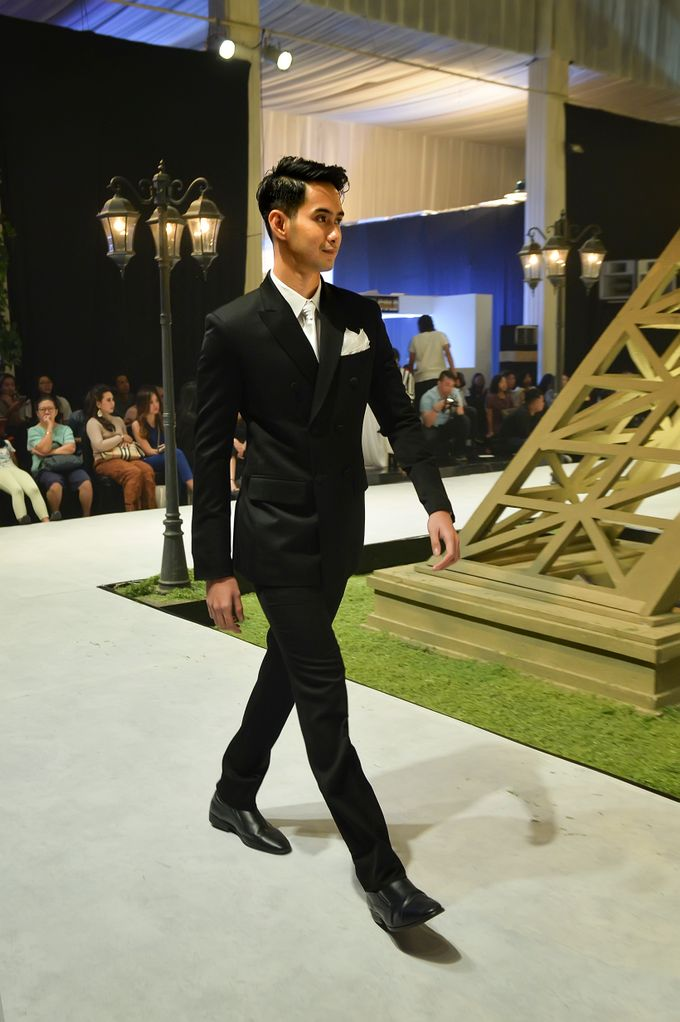 Video: Fashion Show Trend Jas Ventlee 2019 - Couple Series [Part 2] by Ventlee Groom Centre - 011