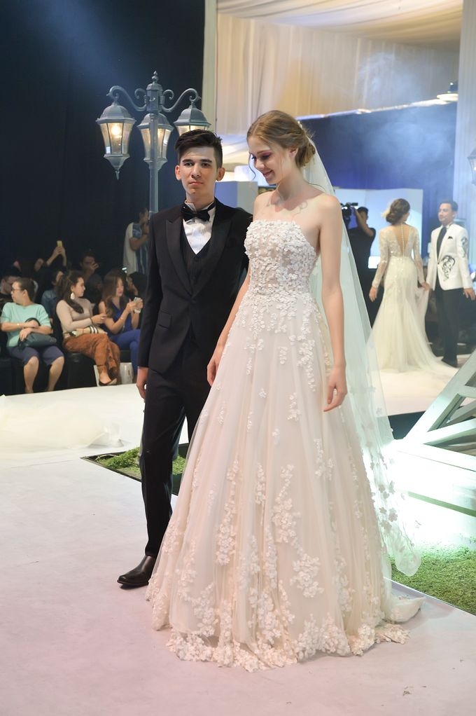 Video: Fashion Show Trend Jas Ventlee 2019 - Couple Series [Part 2] by Ventlee Groom Centre - 019