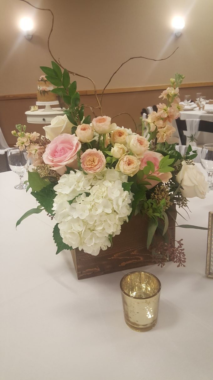 Rustic/classic Wedding by Esmae Event Floral Design - 001