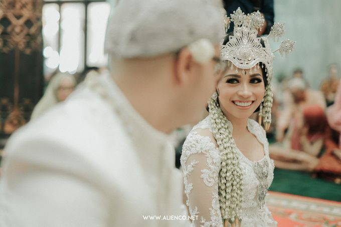 Traditional Wedding Kania & Radit by alienco photography - 006