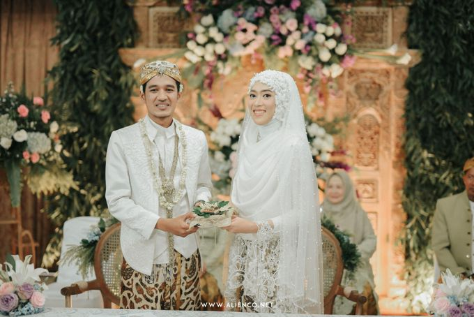 The Wedding of Putri & Lanang by alienco photography - 020