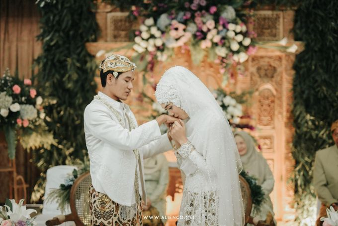 The Wedding of Putri & Lanang by alienco photography - 021