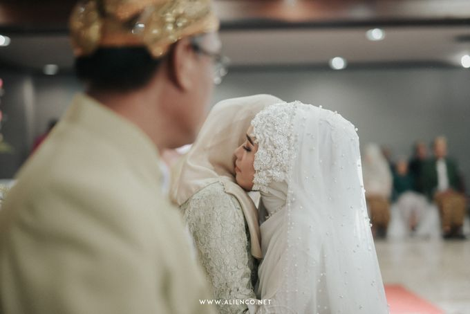 The Wedding of Putri & Lanang by alienco photography - 025