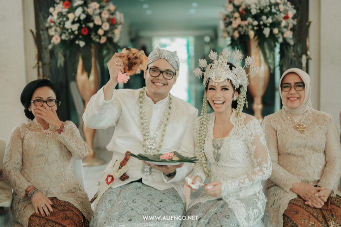 Traditional Wedding Kania & Radit by alienco photography - 009