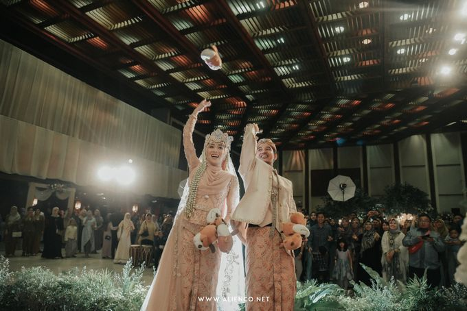 The Wedding of Putri & Lanang by alienco photography - 034