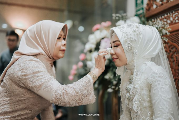 The Wedding Of Shella & Lutfi by alienco photography - 045