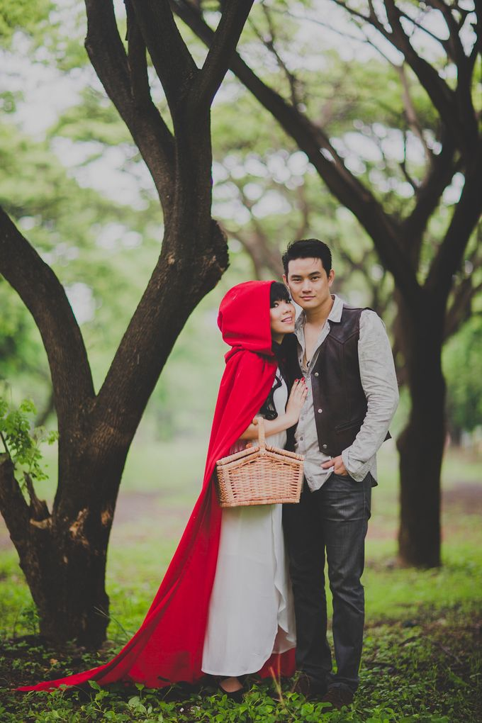 Red Riding Hood and The Hunter by Cravt Photo Props - 012