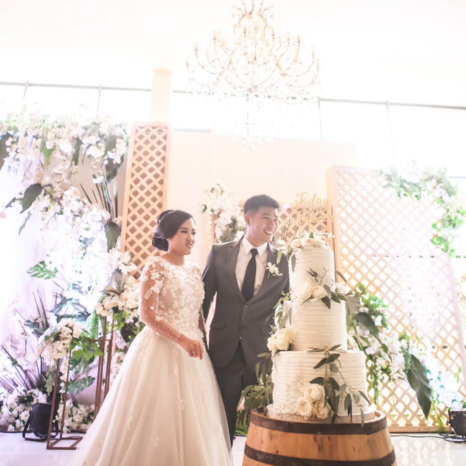 Agus and Angie Wedding by Oursbake - 004