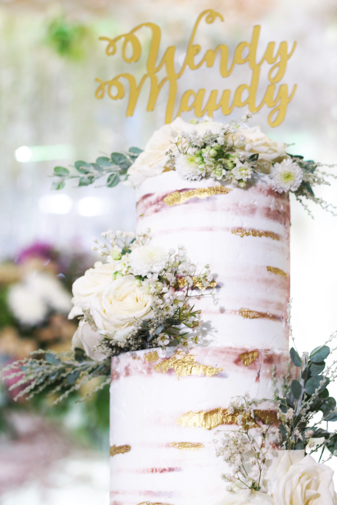 wendy & maudy wedding by Oursbake - 002