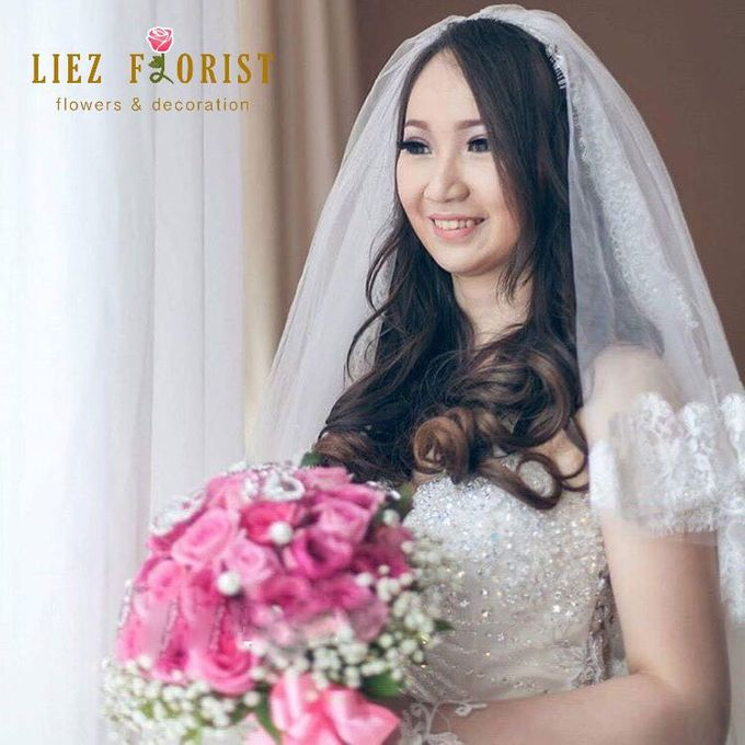 Wedding Hand Bouquets by Liez Florist & Decoration - 012