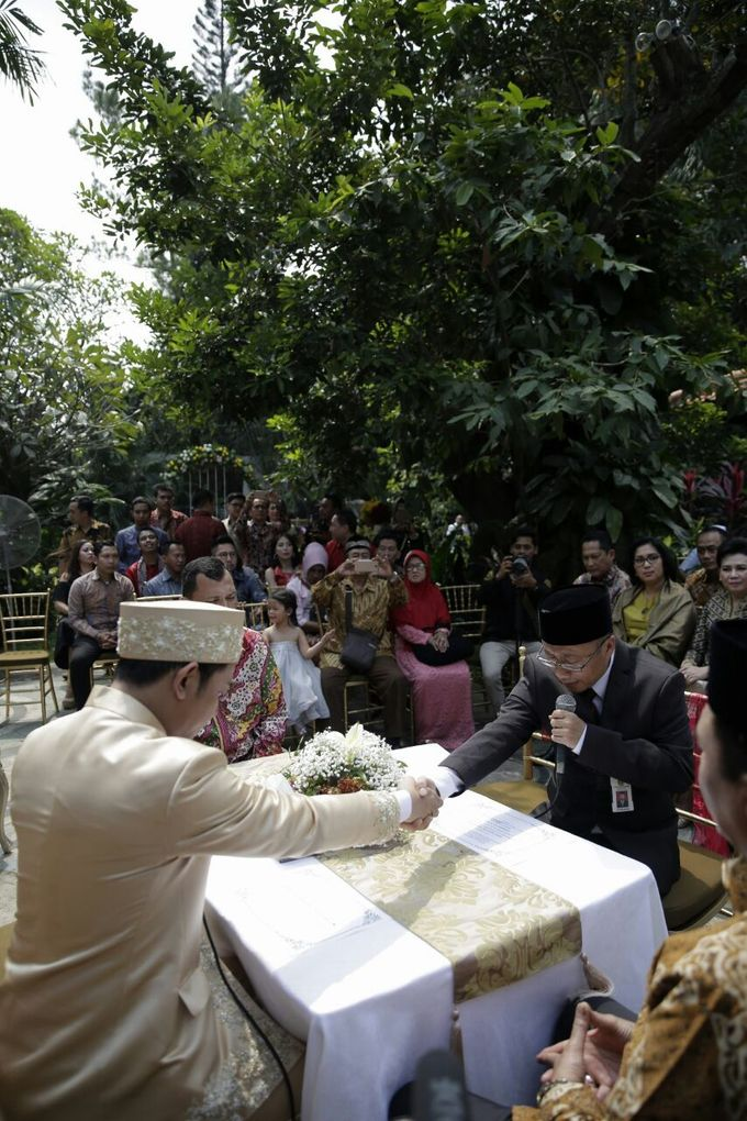 The Wedding Of Ajeng + Dedy by Wong Akbar Photography - 008
