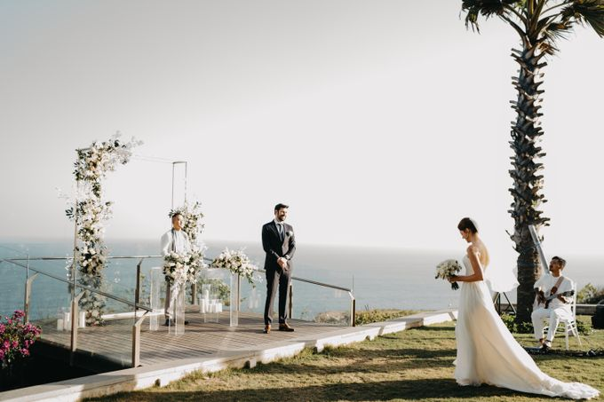 Martin & Daniela wedding by Six Senses Uluwatu, Bali - 010