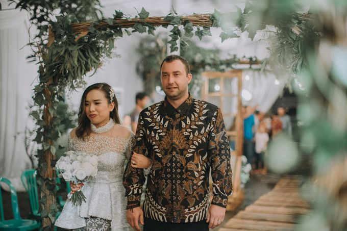 Bohemian & Rustic Simple Wedding of Heny & Luke by Abirupa Wedding Planner - 004