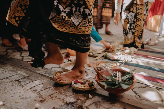 Balinese Wedding of Krishna & Bunga by Hexa Images - 013