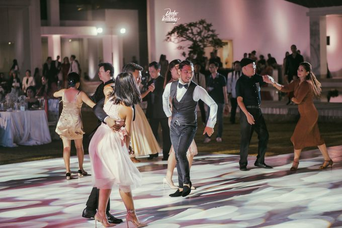 Villa Ombak Biru | The Royal Wedding Dance : Xander & Nadia by diskodiwedding - 025